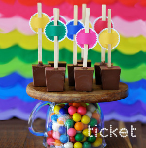 bubblegum-hot-chocolate-on-a-stick-square944